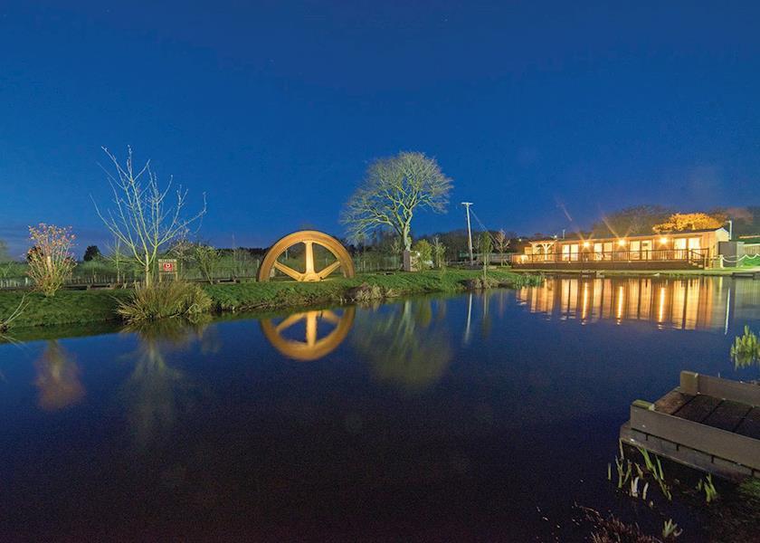 Caistor Lakes Leisure Park